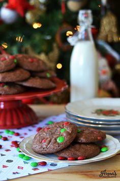 Galletas de brownie y M&M's, suavecitas y llenas de chocolate, receta de www.annaspasteleria.com