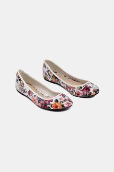 Ballerine floreali, Bianco #scarpe #ballerine #calzature