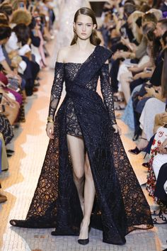 Elie Saab Fall 2018 Couture Fashion Show Collection: See the complete Elie Saab Fall 2018 Couture collection. Look 39