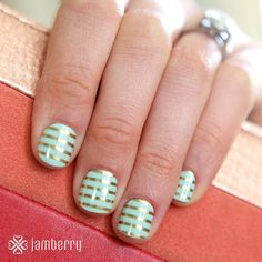 """""""This classic mint and gold mani has us dreaming of spring! #MintGoldHorizontalPinstripeJN #ManiMonday #Jamberry #notd"""""""