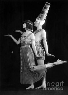 Interpretative dance team, Ruth St. Denis and Ted Shawn, in an Egyptian pose. (Bizarre Los Angeles)