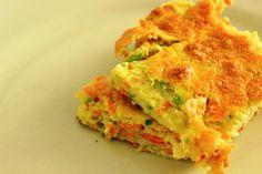 Receitinha super leve e deliciosa, o suflê de legumes sem lactose/leite, glúten e soja é uma ótima opção de almoço ou janta para a Segunda sem Carne. Confere no blog!