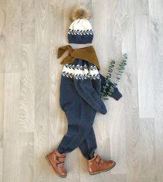 @guttestrikk i mitt strikke-💙 😍 Malin, du er en mester på farger og styling til guttegarderobene deres 🙌🏻 Tusen takk for at jeg får dele 💙 #snøløvdress #snøløvlue // The talented @guttestrikk made her little boy a #winterbudssuit and #winterbudshat in the most beautiful shade of blue 💙 #knittersofinstagram Dere, Stella Mccartney Elyse, Kids And Parenting, Baby Knitting, Mittens, Dresser, Overalls, Children, Pants