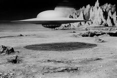 Pictures & Photos from Forbidden Planet - IMDb Great Sci Fi Movies, Classic Sci Fi Movies, Sf Movies, Fiction Movies, Planet Movie, Sci Fi Films, Aliens And Ufos, Flying Saucer, Science Fiction Art