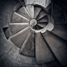 spiral-staircase-photos
