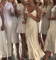 #white #aesthetic #dress #satin #party #whitepartydress #whiteparty Gossip Girl, Mode Monochrome, Estilo Ivy, Old Money, Summer Aesthetic, Travel Aesthetic, Korean Aesthetic, Flower Aesthetic, White Aesthetic
