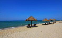 Free stock photo of beach chairs daylight