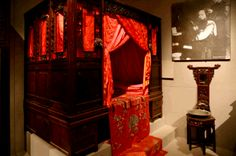 CHINESE WEDDING BEDS | Chinese Wedding Traditions, Door Games and Dressing Code in Beijing