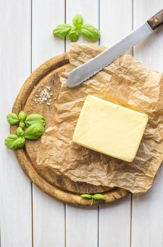When you're not using it, store your butter in the back of your fridge, not in the butter spot in the front door of your fridge. 23 Clever Ways You Should Have Been Storing Your Food All Along How To Store Tomatoes, Leftover Pizza, Asparagus Recipe, Freezer Meals, Freezable Meals, Freezer Cooking, Cooking School, Creamy Chicken, Food 52