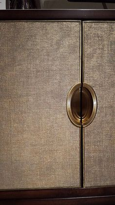 CARACOLE Lining/upholstered Cabinet - Shimmering Seagrass covered doors + oval recessed hardware Contemporary Furniture, Luxury Furniture, Furniture Design, Caracole Furniture, Furniture Ideas, Hallway Furniture, Dining Room Furniture, Joinery Details, Modern Door