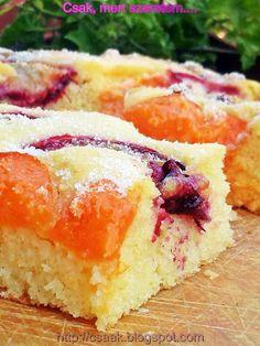 Csak, mert szeretem... kreatív gasztroblog: GRÍZES PITE BARACKKAL ÉS SZILVÁVAL Hungarian Cake, Hungarian Recipes, Homemade Cakes, Desert Recipes, Cake Cookies, Pound Cake, My Favorite Food, Food To Make, Bakery
