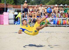 Spectacol la Jupiter: Turneul final al Campionatului Național de fotbal pe plajă!