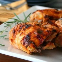 Crispy Rosemary Sriracha Yogurt Chicken Thighs (Low Carb and Gluten-Free) by alldayidreamaboutfood: This magic marinade barely registers on the heat meter and gives incredible flavor which is kid frendly! Yogurt Chicken, Sriracha Chicken, Baked Chicken, Sriracha Sauce, Chicken Recipes, Crispy Chicken, Keto Chicken, Tandoori Chicken, Paleo Recipes