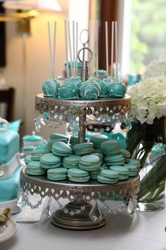 Opulent Treasures Chandelier 2 Tier Dessert Stand Antique Silver - Pat Tutorial and Ideas Tiffany Blue Cakes, Tiffany Blue Party, Tiffany Birthday Party, Tiffany Theme, Tiffany Wedding, Tiffany Blue Punch, Tiffany Blue Weddings, Tiered Dessert Stand, Dessert Tables