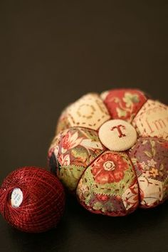 Beautiful pincushion made by Merumo