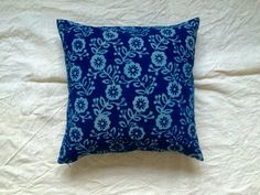 Mud printed indigo pillow by evalunda