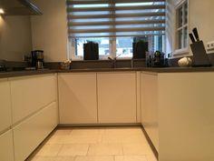Referentie Wildhagen   Moderne U-vormige keuken met greeploze kasten en Miele inbouwapparatuur. https://www.facebook.com/wildhagen.nl/posts/803324766439258 #designkeukens