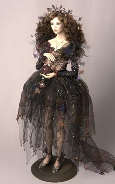 Dolls usually just creep me out, but this one is absolutely gorgeous.