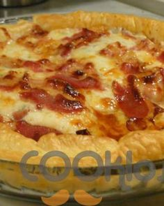 Bacon and feta pie Cookbook Recipes, Sweets Recipes, Cooking Recipes, Food Network Recipes, Food Processor Recipes, Good Food, Yummy Food, Greek Cooking, Greek Dishes