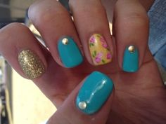mix and match nails. Oh yeah! Love it!