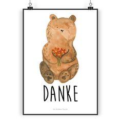 """Poster DIN A4 Dankbär aus Papier 160 Gramm  weiß - Das Original von Mr. & Mrs. Panda.  Jedes wunderschöne Poster aus dem Hause Mr. & Mrs. Panda ist mit Liebe handgezeichnet und entworfen. Wir liefern es sicher und schnell im Format DIN A4 zu dir nach Hause.    Über unser Motiv Dankbär  Unser dankbärer Blumenbär ist aus unserer """"Beary Times""""-Kollektion.    Verwendete Materialien  Es handelt sich um sehr hochwertiges und edles Papier in der Stärke 160 Gramm    Über Mr. & Mrs. Panda  Mr. & Mrs…"""