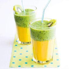 Kiwimangové smoothie - My site Easy Green Smoothie Recipes, Green Detox Smoothie, Healthy Green Smoothies, Juice Smoothie, Fruit Juice, Healthy Drinks, Breakfast Menu, Breakfast Smoothies, Food Videos