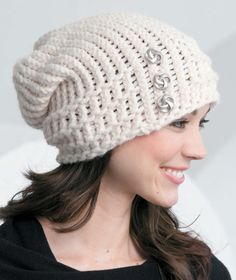 White chunky, slouchy beanie! A loom knitting pattern.