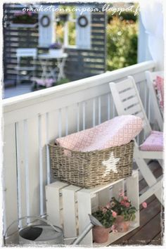 Oma koti onnenpesä: Uudet ihanuudet sekä alekoodi Porch And Balcony, Outdoor Balcony, Outside Living, Outdoor Living, Breath Of Fresh Air, Romantic Homes, Terrace Garden, Growing Flowers, Dream Garden