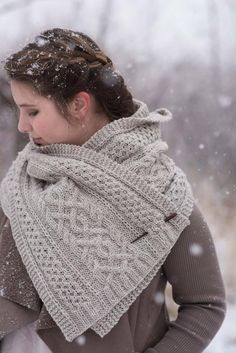 Knitting Patterns Poncho A Walk through Aspens is a cabled Aran wrap, with a generous length and width. Knitted Shawls, Crochet Shawl, Knit Crochet, Aran Weight Yarn, Cozy Scarf, Scarf Knit, Knit Scarves, Shawl Patterns, Simple Knitting Patterns