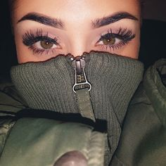 Imagem de eyes, makeup, and eyebrows