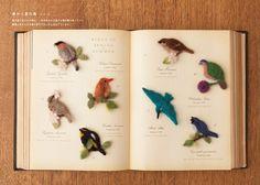 季節ごとに鳥が分類されています。 かわいい鳥図鑑みたいですね。