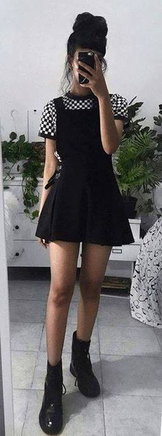 29 Teenager Outfits To Copy Asap – Clothes Shop Edgy Outfits, Cute Casual Outfits, Mode Outfits, Cute Grunge Outfits, Dress Outfits, Dress Shoes, Fat Girl Outfits, Black Skirt Outfits, Casual Goth