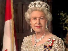 Королева Великобритании носит ворованную русскую корону//ОПТИМИСТ