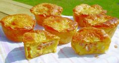 Individual Mini Bacon & Egg Pies are great for pic-nics, parties or when ever you like! They cook in less time than a big pie as well. Egg And Bacon Pie, Egg Pie, Bacon Egg, Individual Pies, Egg Wash, Mini Pies, Healthy Eating, Cooking Recipes, Eggs