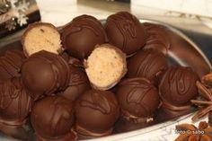Spekulatius-Trüffel (Low Carb) - sabo (tage) buch - Nina K - Spekulatius-Trüffel (Low Carb) - sabo (tage) buch Spekulatius-Trüffel (Low Carb) - Keto Friendly Desserts, Low Carb Desserts, Baking Recipes, Snack Recipes, Dessert Recipes, Paleo Dessert, Le Diner, No Carb Diets, Keto Snacks