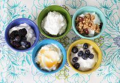 Yogurt Homemade yogurt recipe I'd like to try. Apparently yogurt as a bacteria in it that is proven to make you happier.Homemade yogurt recipe I'd like to try. Apparently yogurt as a bacteria in it that is proven to make you happier. Homemade Yogurt Recipes, Healthy Snacks, Healthy Eating, Healthy Recipes, Clean Eating, Healthy Yogurt, Top Recipes, Recipes Dinner, Lunch Recipes