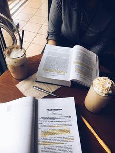 Aquele livro, aquele café!