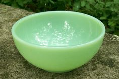 "25.00 Fire-King Jade-ite Green Glass Bowl #22 1946-58 5""D"