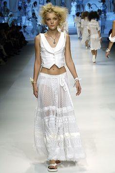 D&G Spring 2006 Ready-to-Wear Fashion Show - Jessica Stam