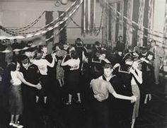 WWII swing dance photos www.swingdancemontreal.com  www.rocknswingmontreal.com