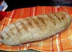 Paine neagra cu seminte Yummy Food, Tasty, Baked Potato, Foodies, Pizza, Bread, Baking, Cake, Ethnic Recipes