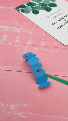 DIY Moving Caterpillar - A Simple Tutorial That Shows You How To Use Cater . - DIY Moving Caterpillar – A simple tutorial that shows you how to move Caterpillar yourself. Instruções Origami, Paper Crafts Origami, Paper Crafts For Kids, Craft Activities For Kids, Projects For Kids, Paper Crafting, Diy For Kids, Fun Crafts, Diy And Crafts