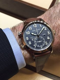 The biggest surprise this year came from Patek Philippe introducing a pilots watch with travel time! With the new Calatrava Pilot Travel Time Ref. 5524, Patek pays tribute to the courageous pioneers of our skies