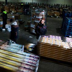 """Nadia, Responsable d'exploitation logistique à l'entrepôt Carrefour de Combs-La-Ville : """"Cette journée nous rappelle que nous sommes tous égaux, peu importe le sexe"""" - Journée des Droits de la Femme"""