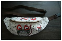 Today I would like to show to you how to sew a fanny pack/waist bag. Contarary to appearances it is not very hard. To execute it you will need: about 50x40cm (20x16inches) of fabric, the same amount of heat activated adhesive interfacing, zip, carrier tape, side release buckle and a pattern (you can download it …
