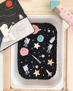 "THE MAMA NOTES on Instagram: ""🪐SPACE SENSORY BIN 🪐 I have this set up for the girls to use later this week, I prepped it before the baby was born and they have no idea…"""