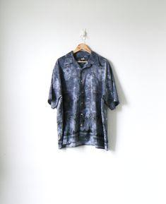 d40d1126 90s Gray / Black Palm Trees & Hibiscus Flowers Hawaiian Shirt - 90s Hawaiian  Shirt - Vintage Hawaiian Shirt - Men's XL