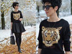 Tiger sweater.