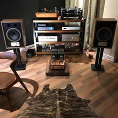 OMG, are these the most musical loudspeakers on the planet? After an hour of listening, we think this may be the case. Loving these beautiful small monitors