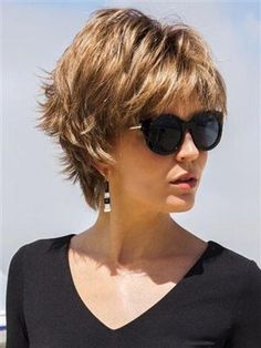 66 Chic Short Bob Hairstyles & Haircuts for Women in 2019 - Hairstyles Trends Short Hairstyles For Thick Hair, Layered Bob Hairstyles, Hairstyles Haircuts, Short Hair Cuts, Curly Hair Styles, Pretty Hairstyles, Short Shaggy Haircuts, Short Wavy, Pixie Haircuts